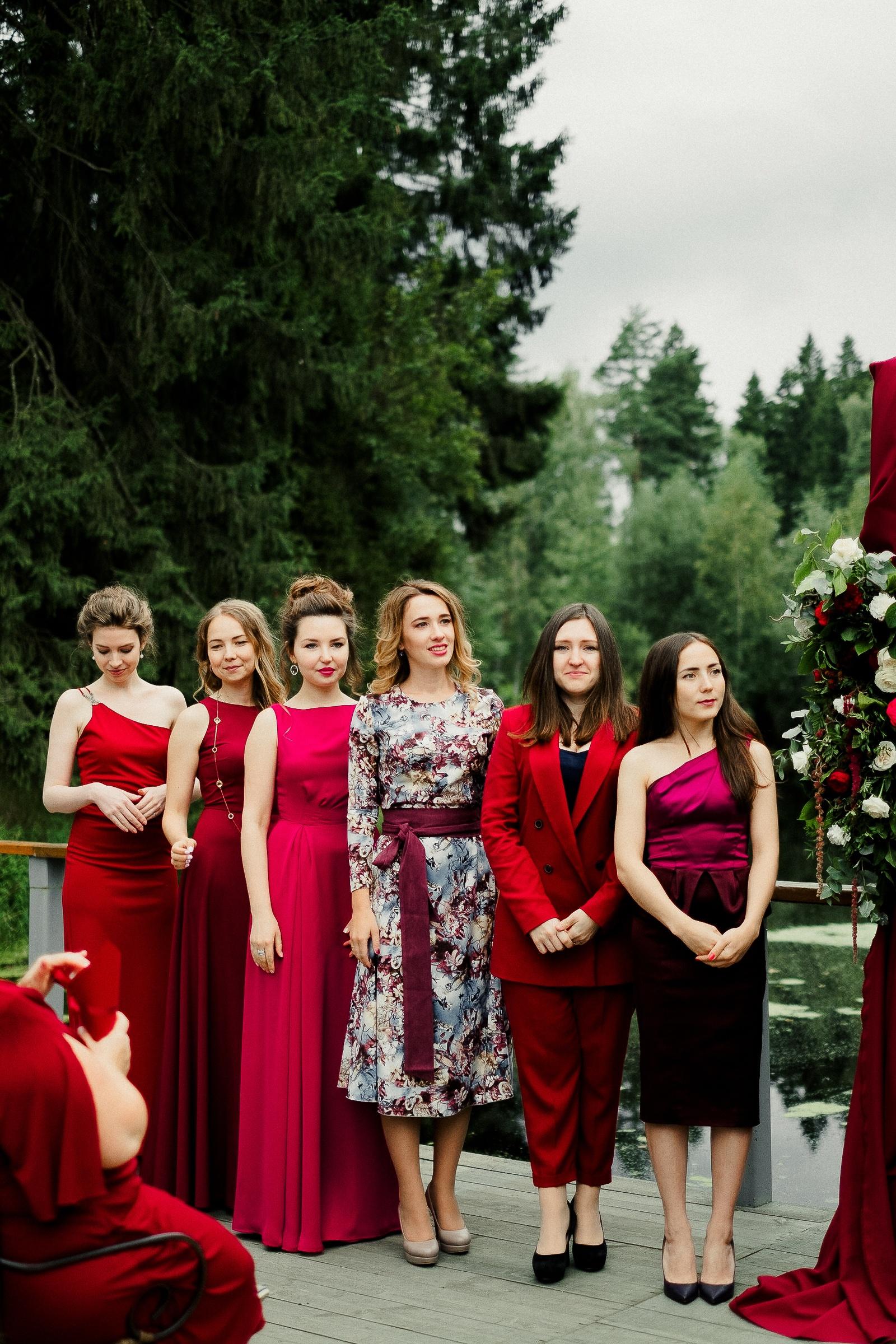 Яркий рустик: свадьба в винном цвете