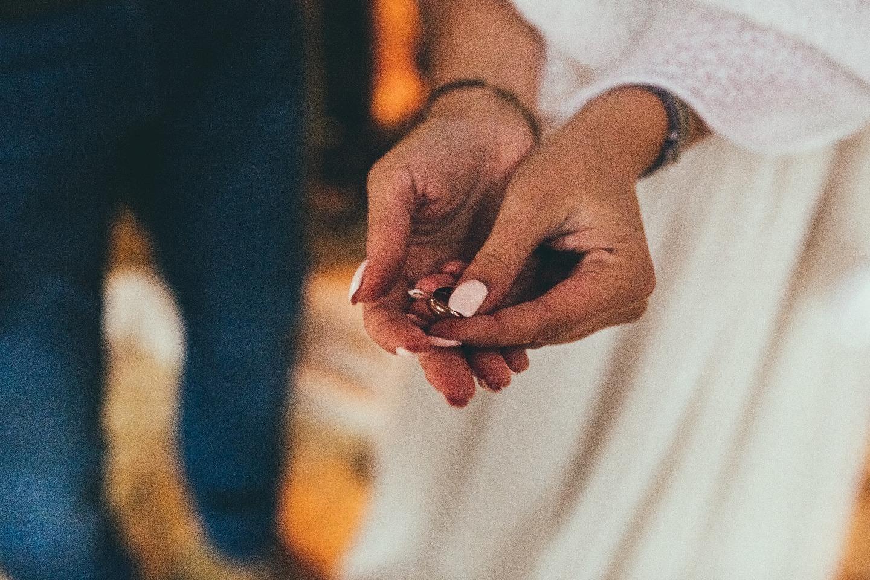 Тепло осени: стилизованная свадьба в деревне