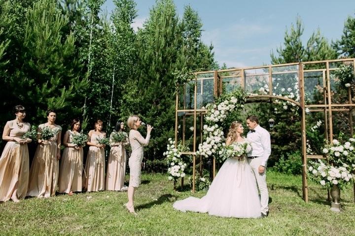 7384c64cc Кристальная чистота любви: свадьба в стиле европейской классики - Weddywood