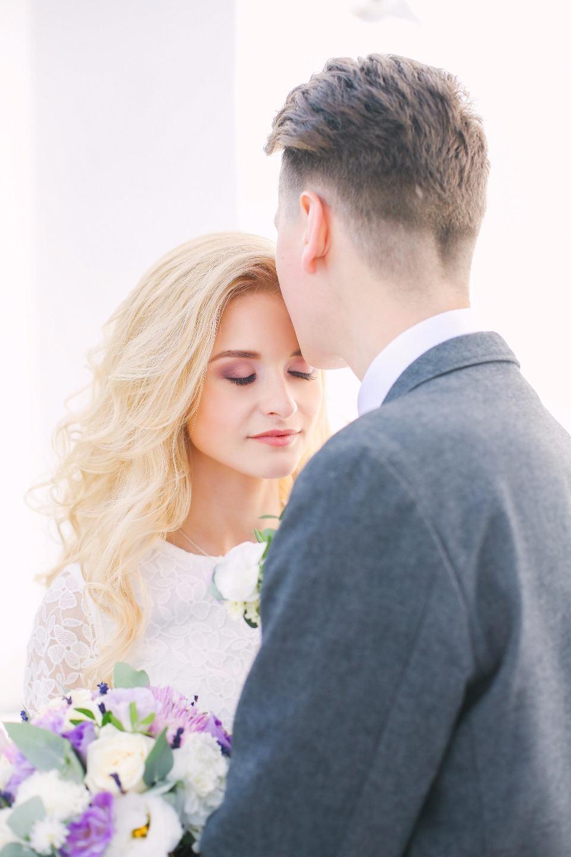 Любовь цвета пудры: классическая свадьба за городом