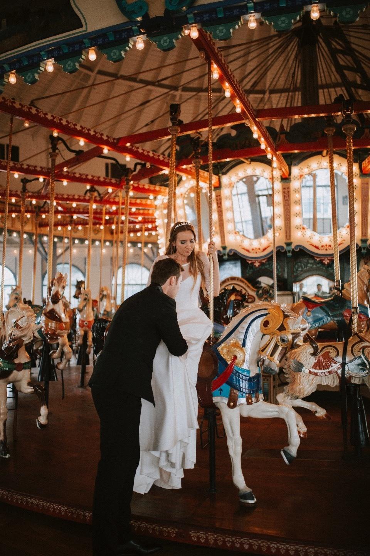 Свадьба в Санта-Монике в «морской» стилистике
