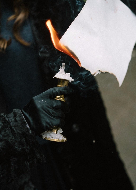 Рукописи не горят: стилизованная фотосессия