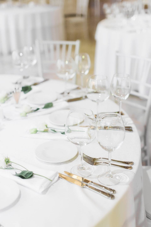 Благородство классики: свадьба в белоснежной палитре