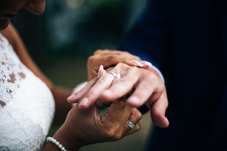 Воплощение мечты: камерная свадьба в Испании