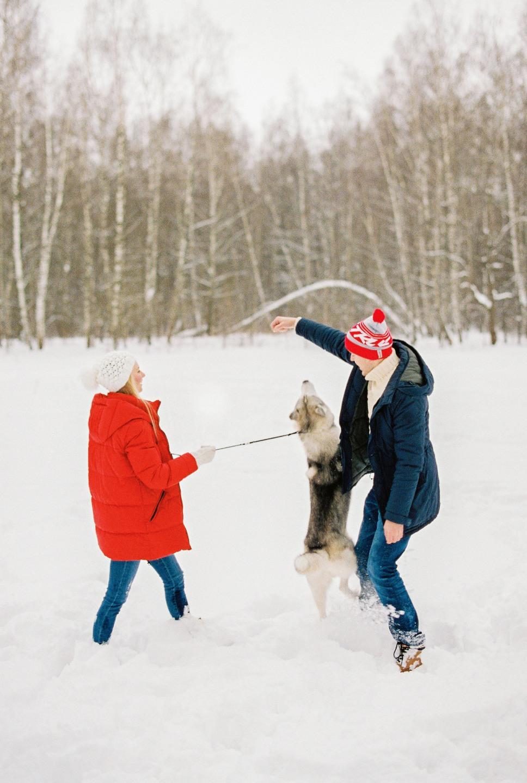 Прогулка в парке: зимняя love-story