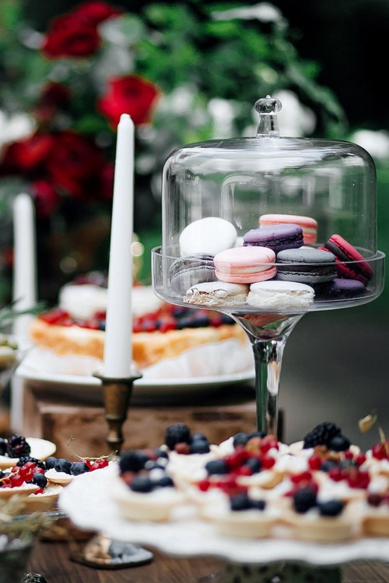 Страсть и нежность: свадьба, утопающая в цветах