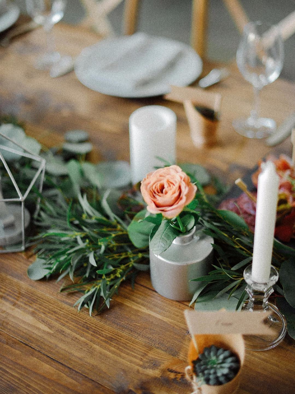 Уют, эко и геометрия: утонченная свадьба в лофте