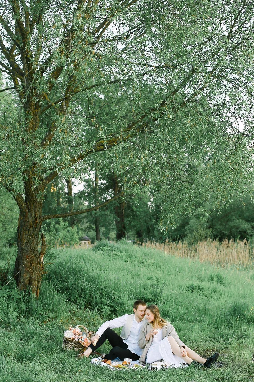Пикник у озера: нежная love-story на природе
