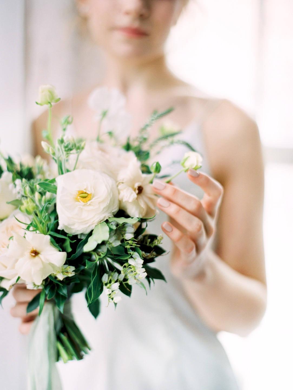 Пробуждение природы: нежная весенняя свадьба