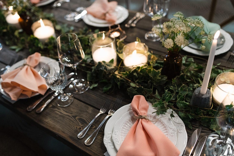 Такое лето — не помеха: концептуальная свадьба в лесу