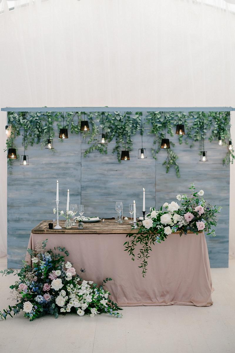 Одно небо на двоих: свадьба в нежно-голубой палитре