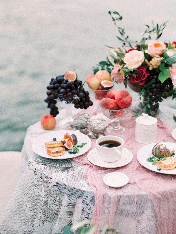 Романтика и нежность: свадьба в ягодной палитре