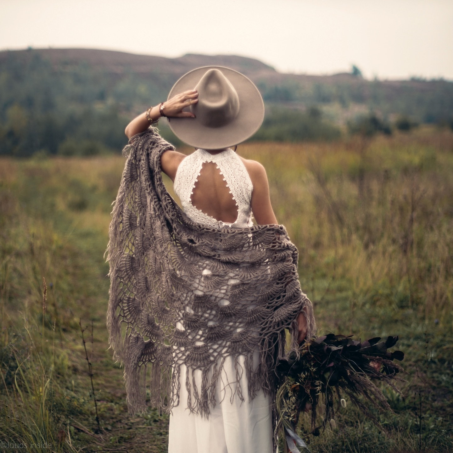 Boho love-story in autumn colors