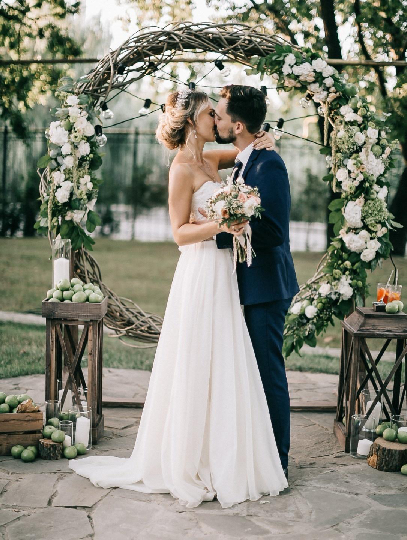 Русские традиции: эко-свадьба на Яблочный Спас