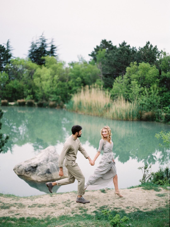Любовь в тонах акварели: стилизованная фотосессия в Крыму