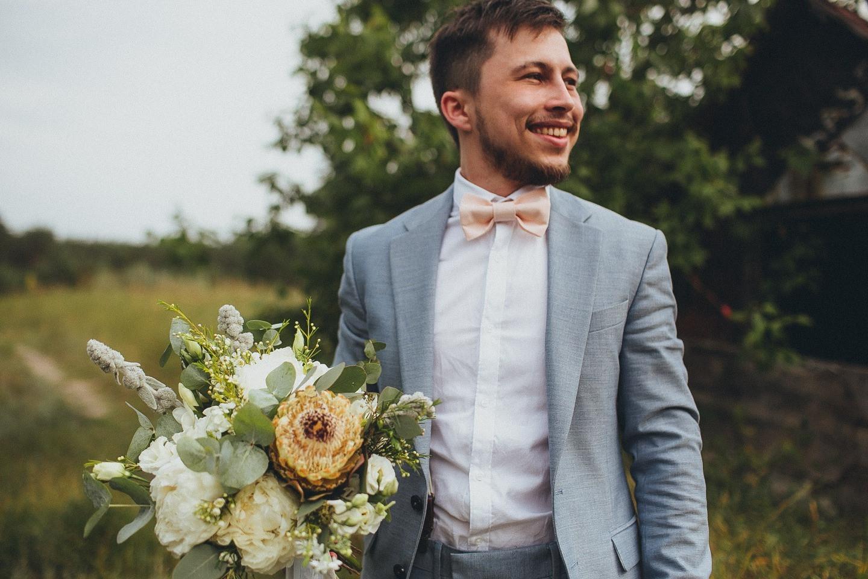 Уют и рустик: свадьба за городом для самых близких