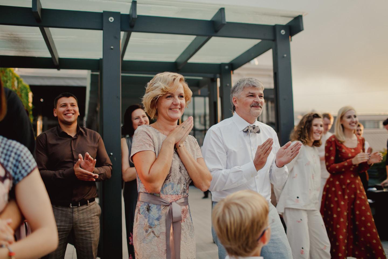 On the roof: стильная городская свадьба