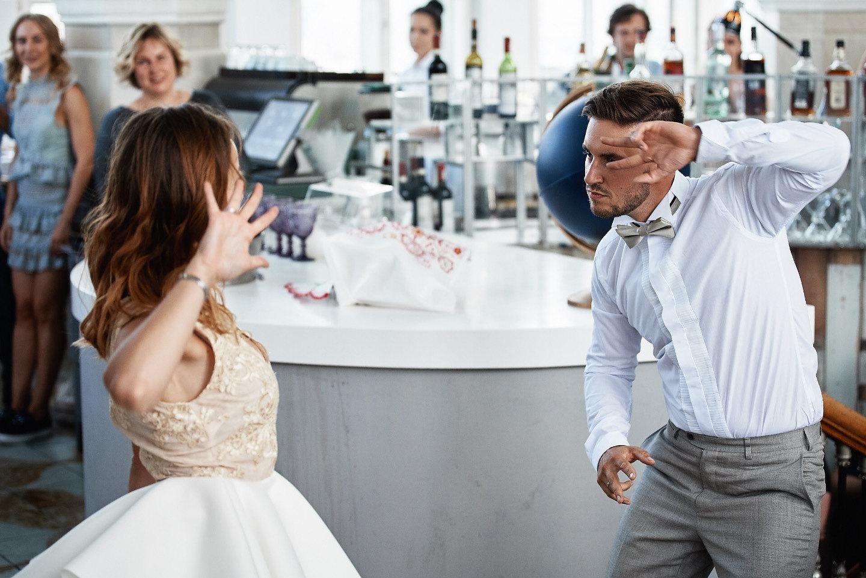 Просто космос: свадебная вечеринка в центре Москвы
