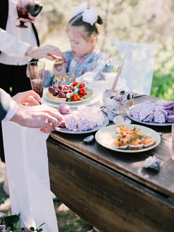 В окружении природы: весенняя свадьба в Крыму