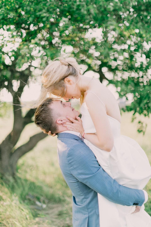 В облаке розовых пионов: свадьба своими руками