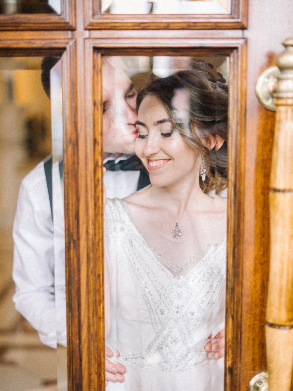 Безмятежность любви: свадьба с церемонией на закате