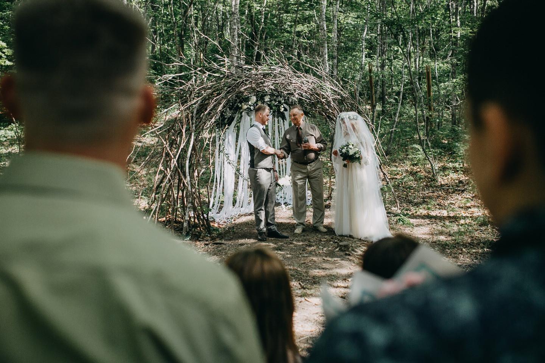 В лесу о любви: свадьба в стиле рустик