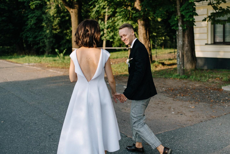 Как мы организовали неформальную свадьбу с минималистичным декором