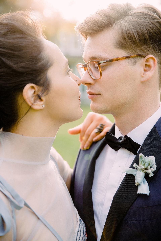 Вне времени: элегантная свадьба в серо-голубых тонах