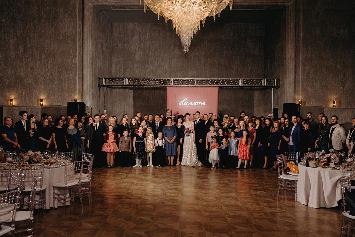 Осень в Петербурге: теплая свадьба в холодный день