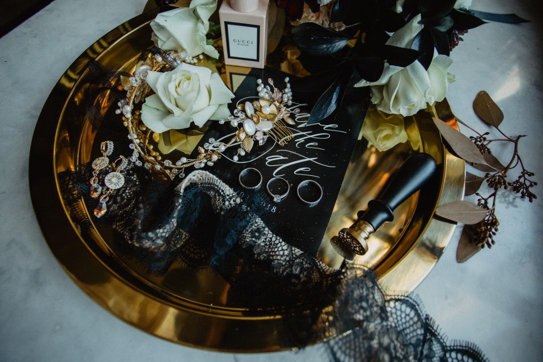 Почувствуй роскошь черного: практические советы, как использовать черный цвет в оформлении
