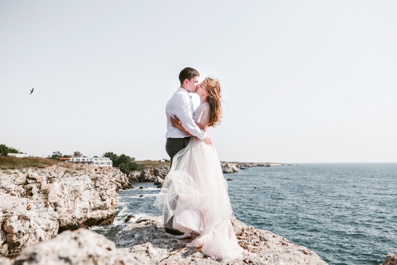 Лиловая нежность: свадебная love-story в полях лаванды