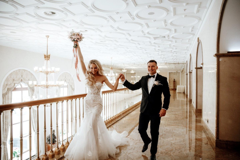 современный стиль свадебного фото одновременно завораживающая атмосфера