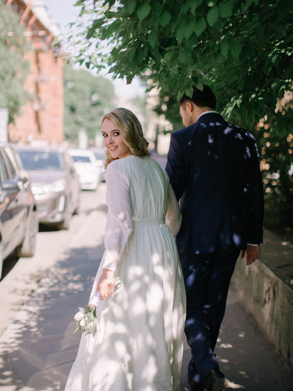 Из Петербурга с любовью: камерная свадьба в баре