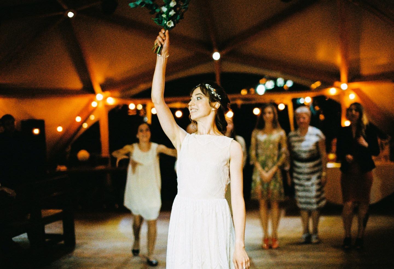 Dancing in the Moonlight: рустикальная свадьба за городом