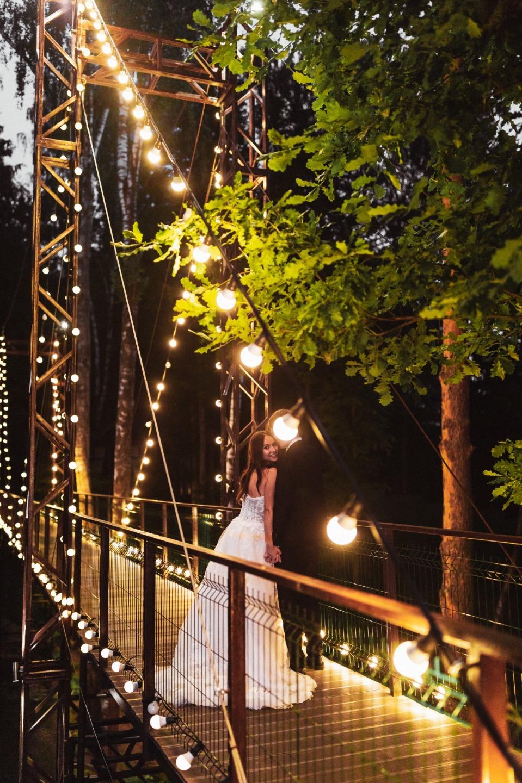 Магия леса: свадьба со сказочными декорациями