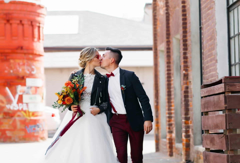 Тыквенное безумие: осенняя свадьба в лофте