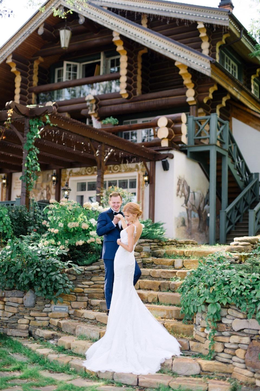 Одной нитью: классическая свадьба с концептуальным декором