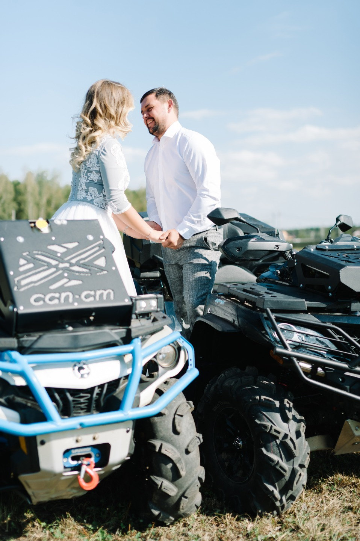 Квадроциклы и эко: веселая свадьба на природе