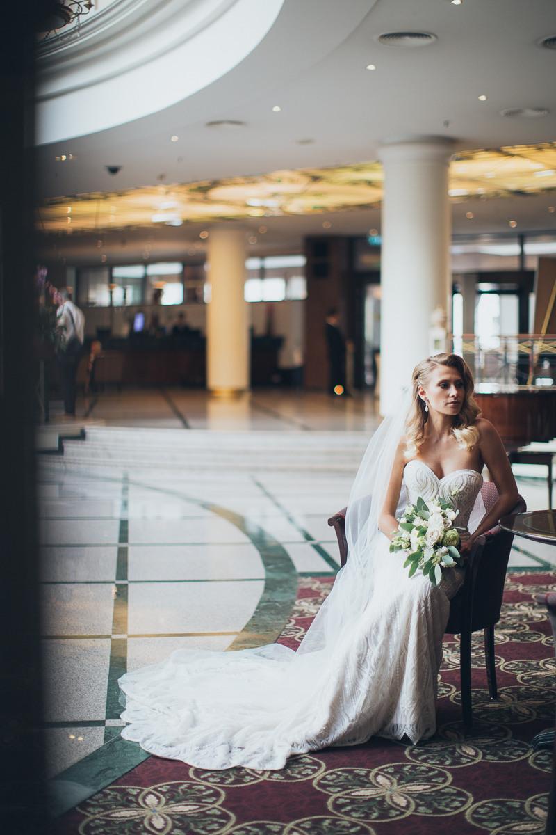 Благородство классики: роскошная свадьба в ресторане