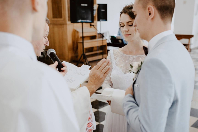 Гармония чувств: свадьба с венчанием и выездной церемонией