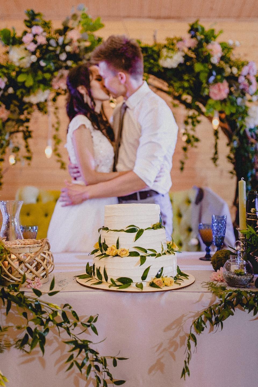 Нежность природы: свадьба в сосновом лесу