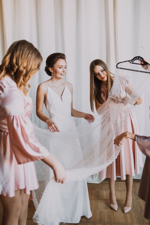 Элегантная простота: свадьба в формате фуршета