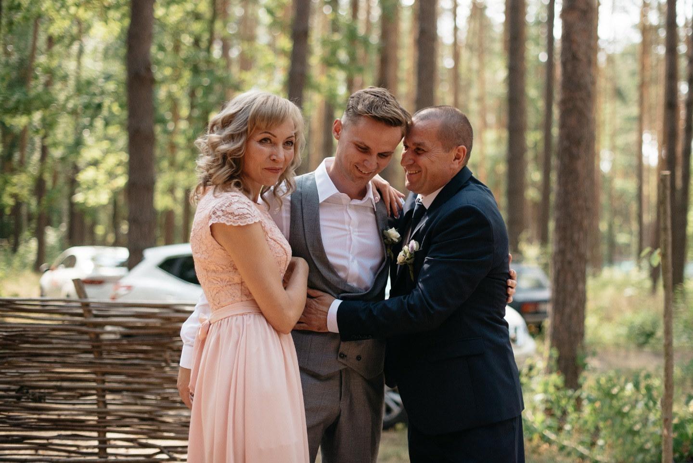 Летняя романтика: загородная свадьба в шатре