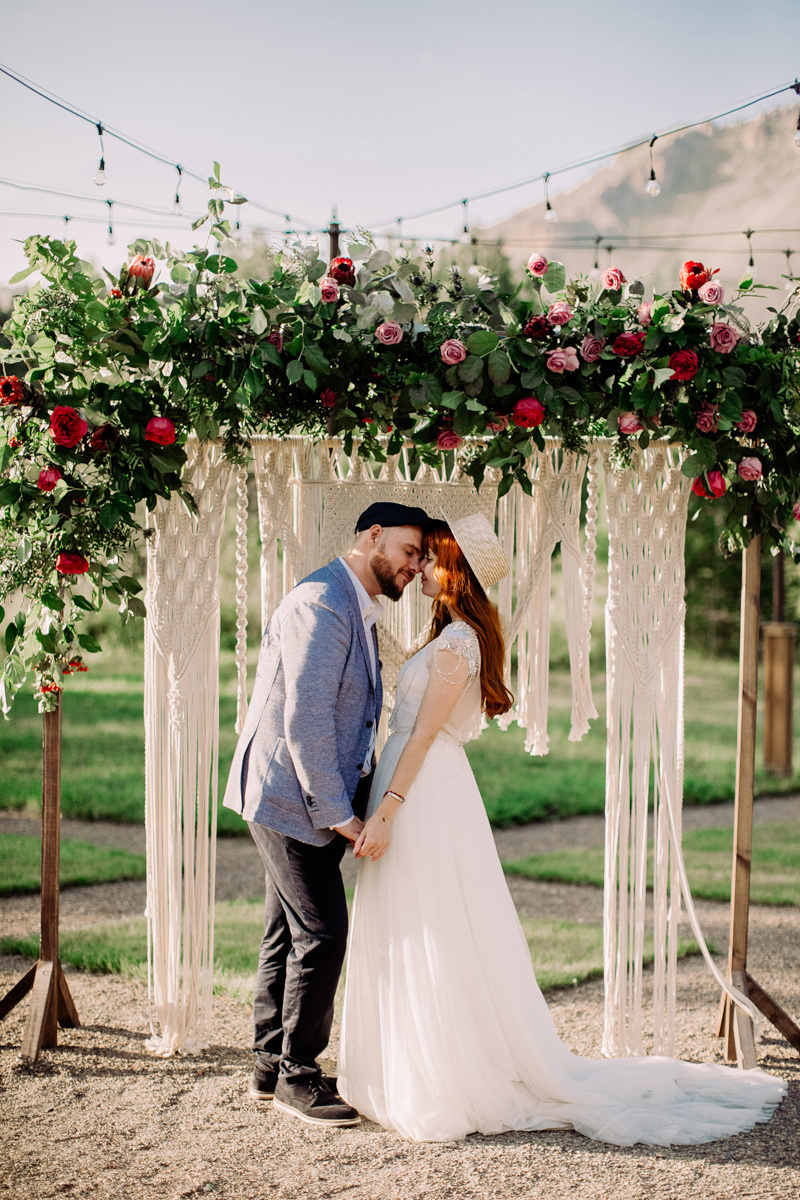 Солнечные зайчики: непринужденная свадьба на природе