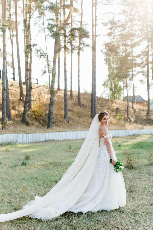 Сказочный лес: тематическая свадьба с эко-декором