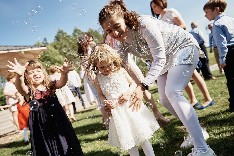 Просто счастье: неформальная свадьба в загородном доме