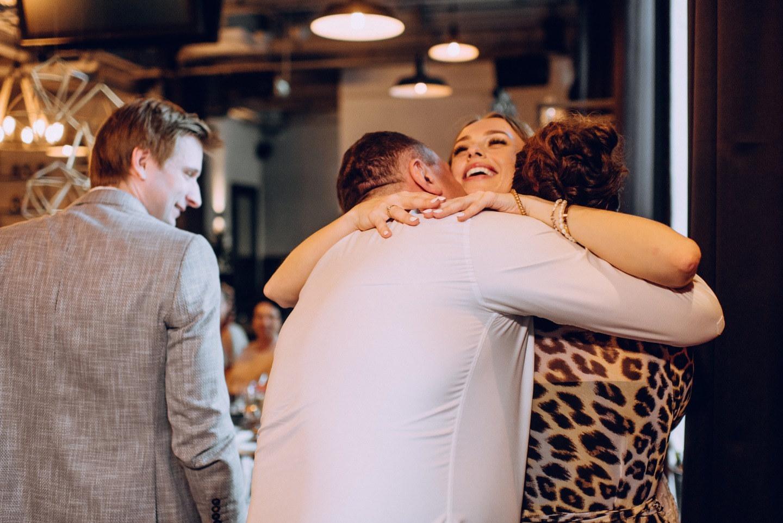 Стильная городская свадьба в лофте