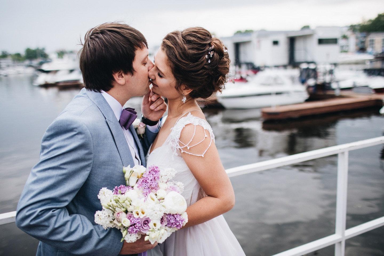 Майский дождь: свадьба в яхт-клубе
