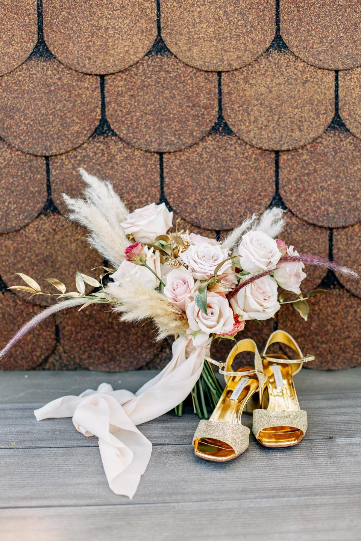 Огненные знаки: свадьба в золотой палитре