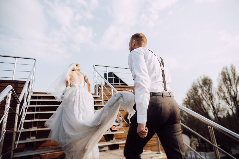 Урбан-свадьба с церемонией на крыше